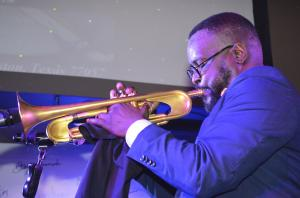 Vincent Gross - Jazz Vocalese and Trumpeter